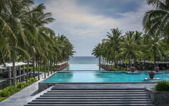 Four Seasons Resort The Nam Hai *****