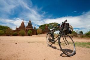 Viajes a medida Myanmar. Bicis en Bagan