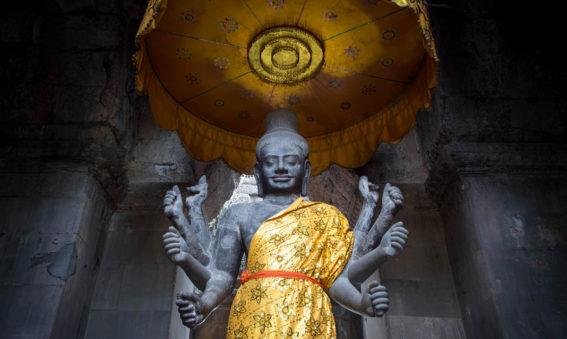 La Bendicion Monjes Angkor, viaje a Camboya